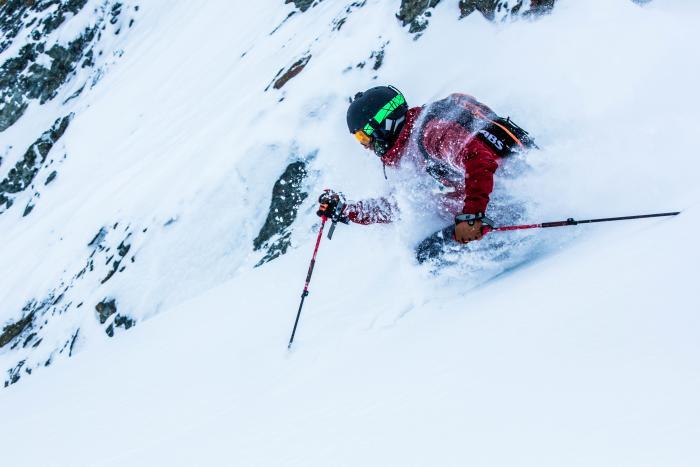 Hochwertige Alpin-Skihosen sind gefüttert und mit einer atmungsaktiven Membran ausgestattet. Foto: ROCK'nd SNOW Ski- und Bergschule