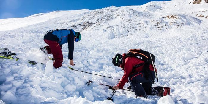 Eine hohe Reichweite und ein schneller Suchmechanismus sind die wichtigsten Eigenschaften eines guten LVS-Geräts | Foto:ROCK'nd SNOW Berg- und Skischule, Christopher Spegel