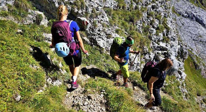 Nach dem Klettersteig ist vor dem Klettersteig (alte Bergsteigerweisheit). Auch dabei macht der Lowe Alpine Altus eine gute Figur.