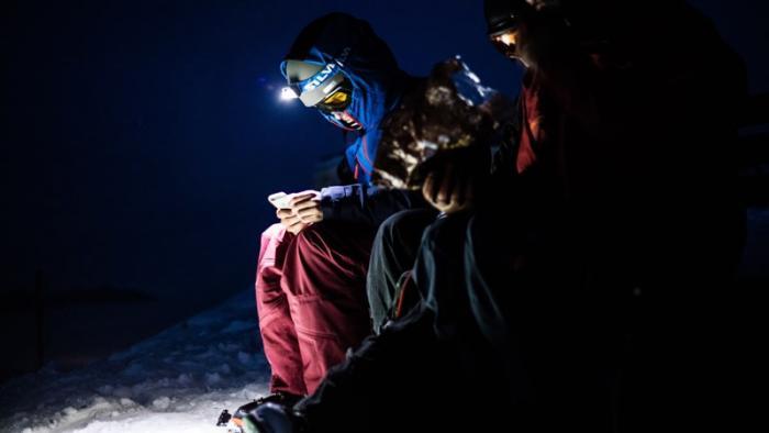 Bei Dunkelheit geht ohne Stirnlampe praktisch nichts mehr | Foto: ROCK'nd SNOW Berg- und Skischule, Christopher Spiegel