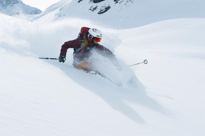 Ski-Pro Anja Alme Gardli in Action (Foto: Johan Wildhagen, Sweet Protection)