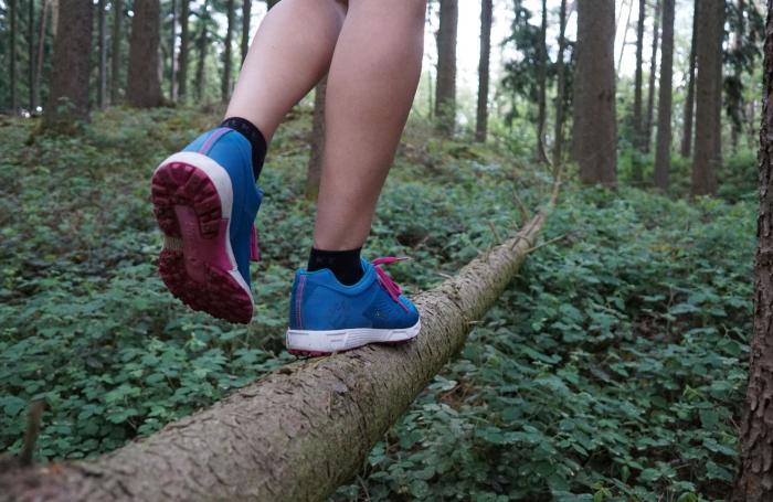 Balanceakt rechter Fuß vorn