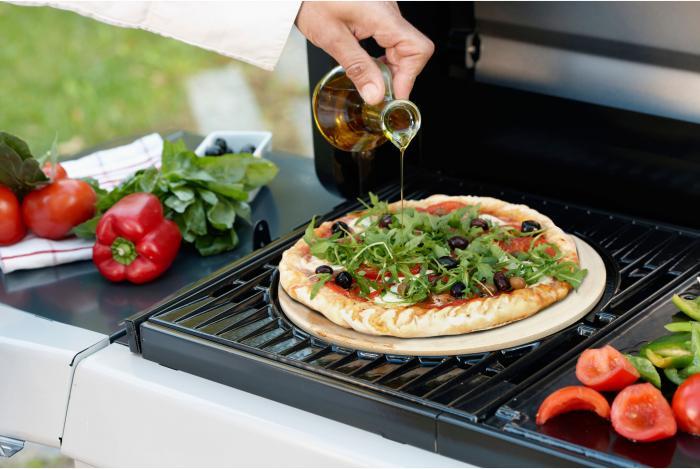 Der Pizzastein macht`s italienisch