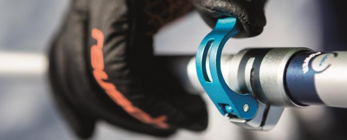 Der bei Komperdell Power Lock genannte Clip-Verschluss lässt sich auch mit Handschuhen gut verstellen. Foto: Komperdell