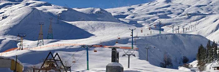 Iran - Dizin Ski Resort © Emesik