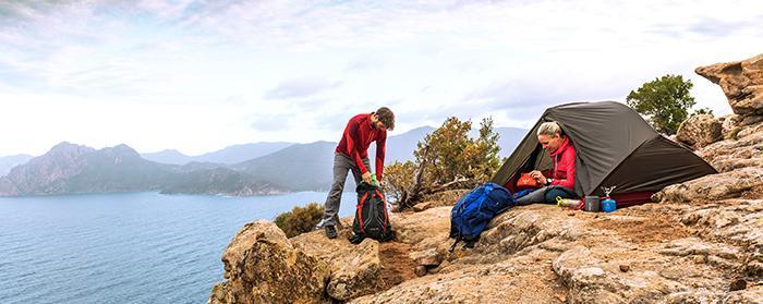 Gerade auf längeren Touren, bei den man auch noch Zelt, Isomatte und Co. dabei hat, braucht man einen größeren Rucksack.