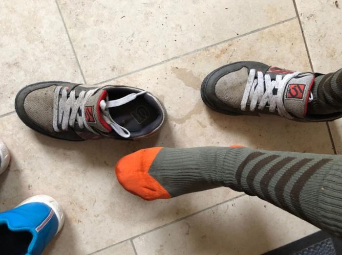 leicht feucht vom Schuh