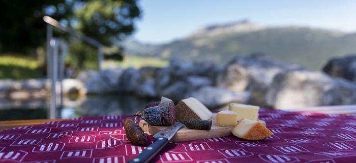 Die Bergunthütte gehört zu den als Genusshütte ausgezeichneten Einkehrmöglichkeiten im Kleinwalsertal. Foto: KWT/Oliver Farys