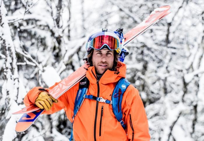 Freeride-Pro Seth Morrisons Ski hat Front- & Back-Rocker bei 105 mm unter der Bindung | Foto HESTRA