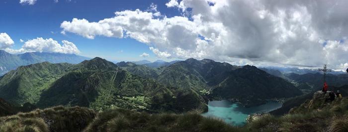 """Der """"Goldene Gipfel"""". Blick vom Cima d'Oro auf den Lago di Ledro, Foto: OUTSIDEstories"""