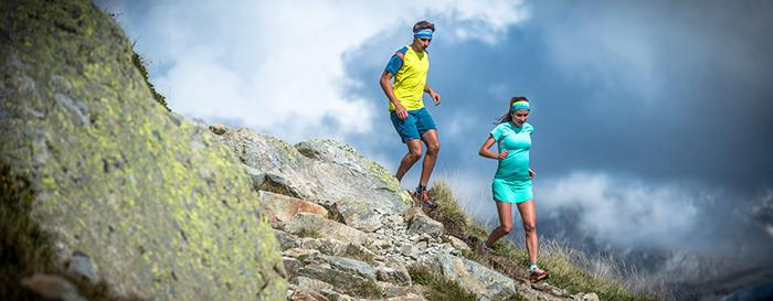 Über Stock und Stein - Trailrunningschuhe müssen ausgeglichenes Verhältnis von Robustheit und geringem Gewicht finden.