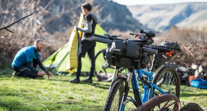 Unglaublich, was man alles auf zwei Bikes packen kann - die richtigen Packtaschen vorausgesetzt. Foto: Ortlieb