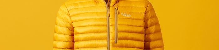 Taschen bieten dir Stauraum für verschiedene Dinge. Foto: Rab
